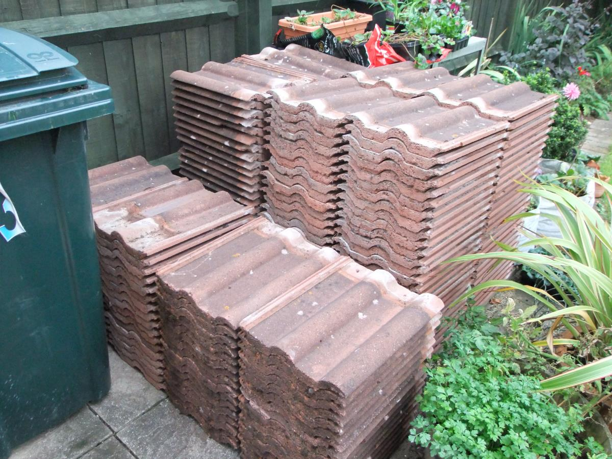 221 Reclaimed Russell Double Roman Tiles Reading Rg1