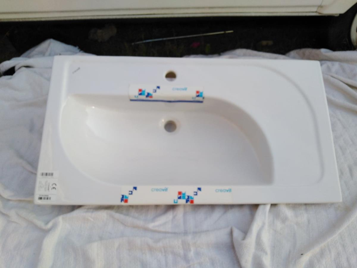 For Sale: Job Lot Of Creavit Sinks and Pedestals Plus Vanity Unit Image 5