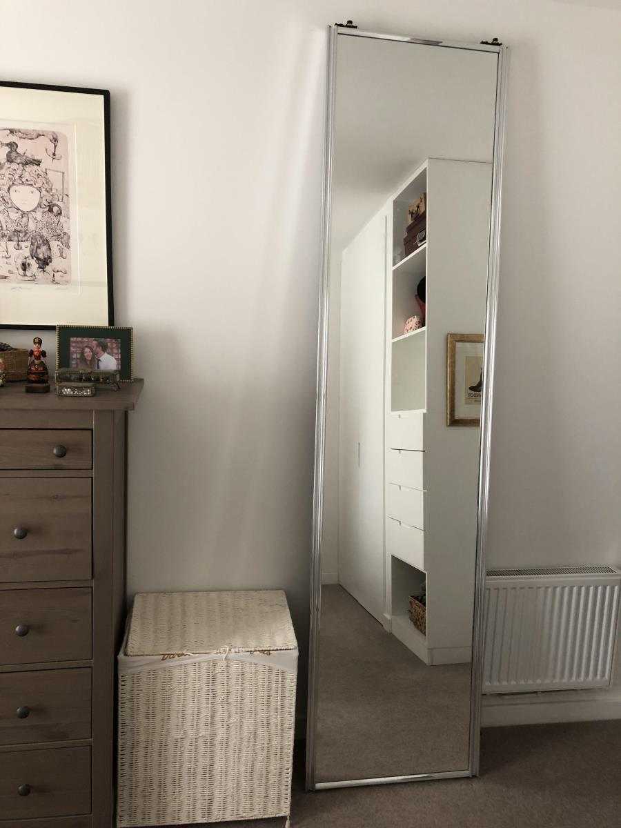 For Sale: Pair of mirrored sliding doors Image 3