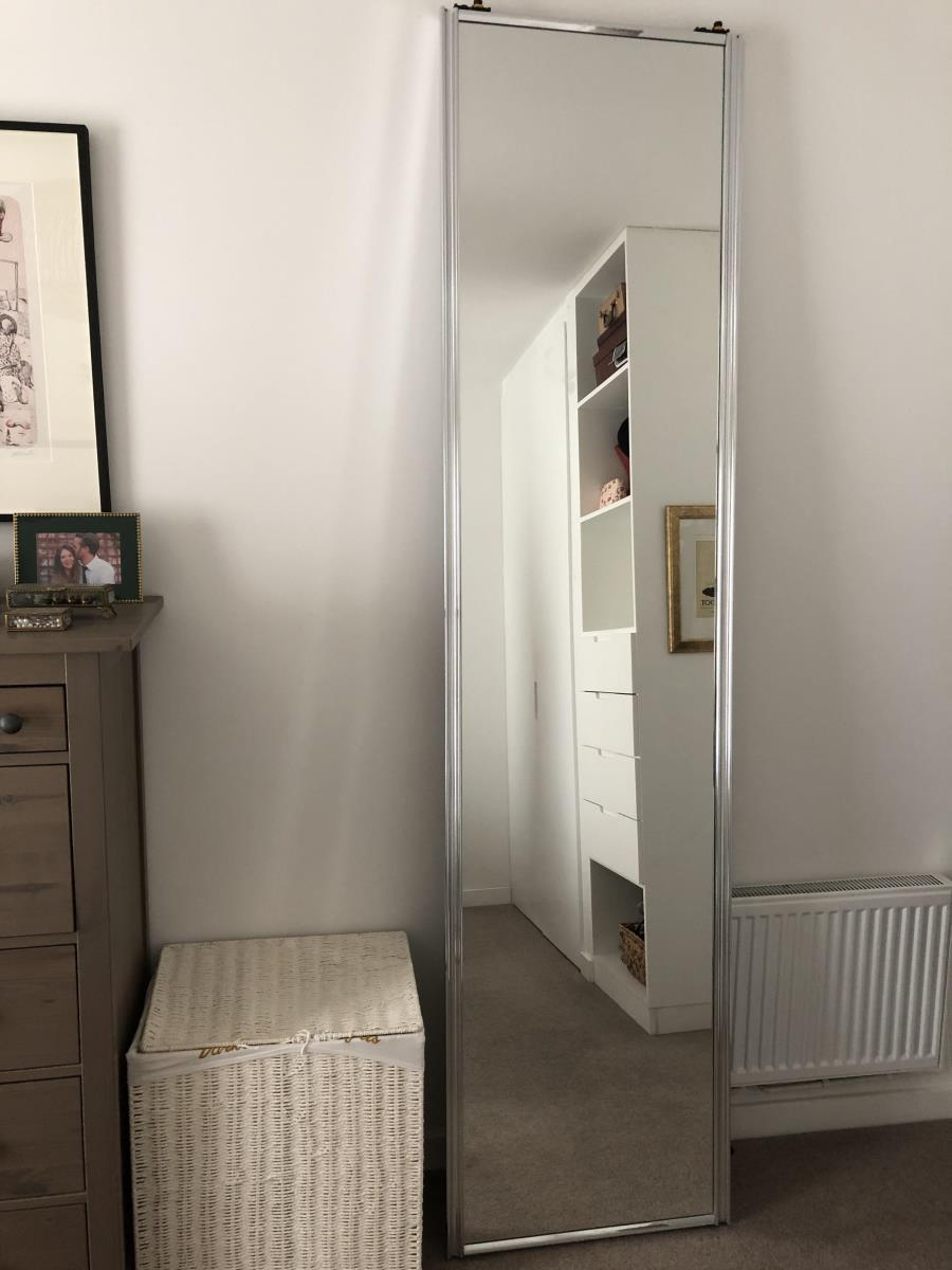 For Sale: Pair of mirrored sliding doors Image 4