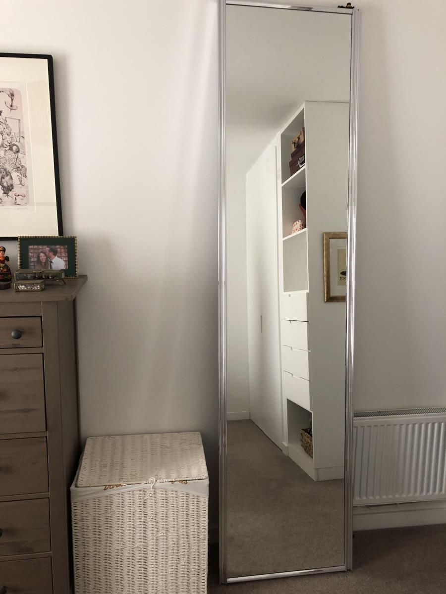 For Sale: Pair of mirrored sliding doors Image 5