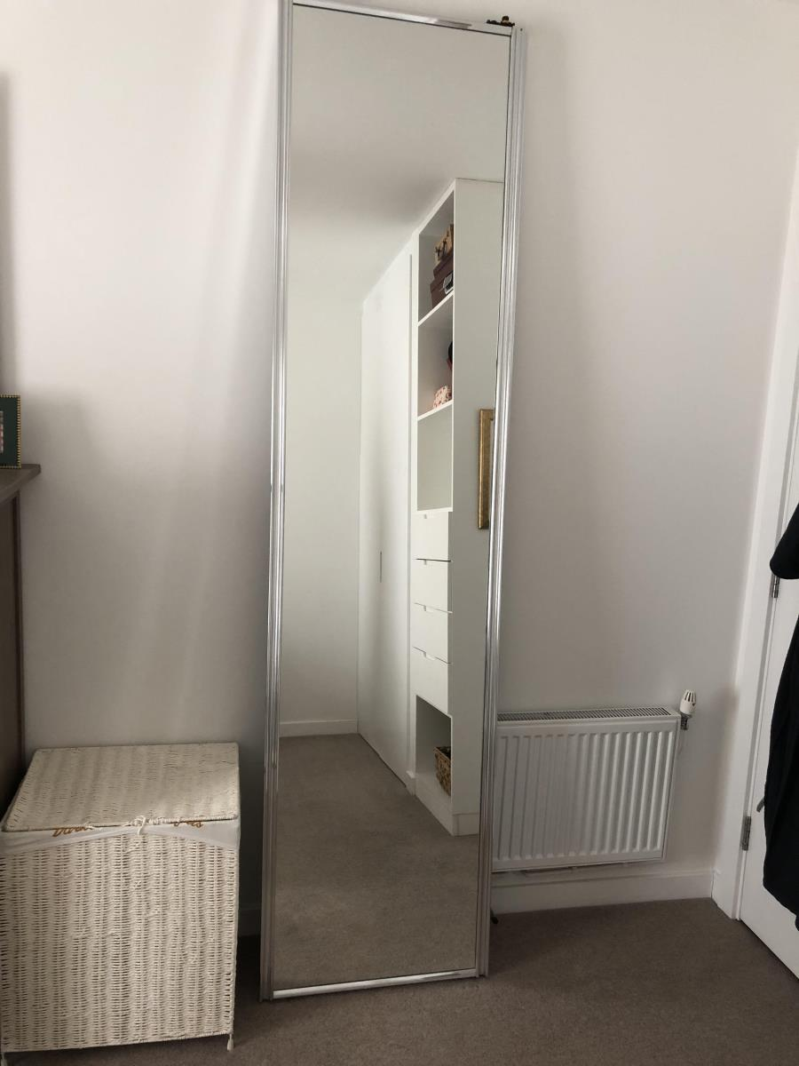 For Sale: Pair of mirrored sliding doors Image 6