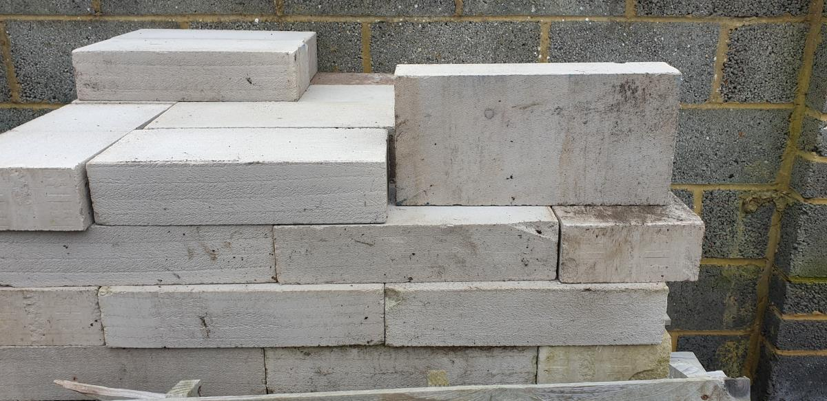 For Sale: Thermalite Blocks - 100x215x440 - 28 no Image 1