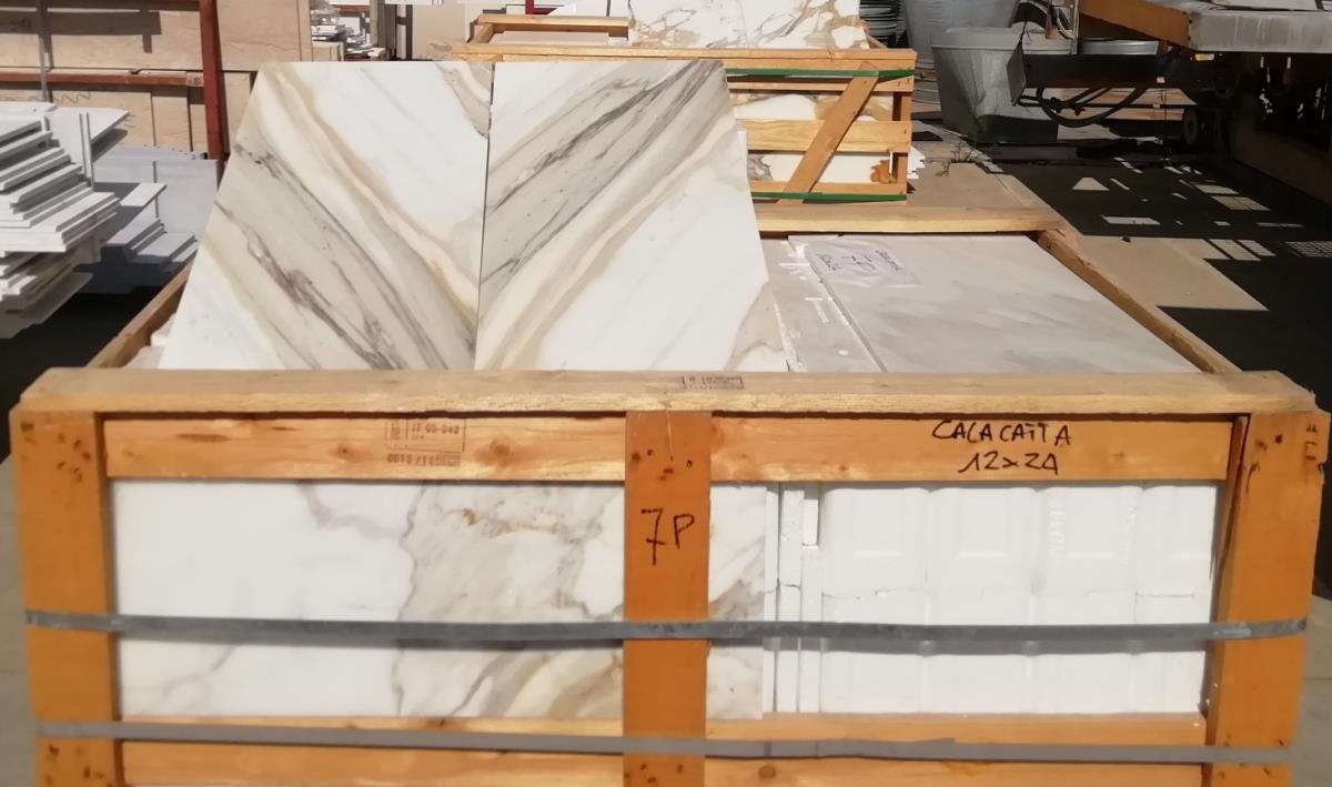 For Sale: LONDON CALACATTA MARBLE Image 4